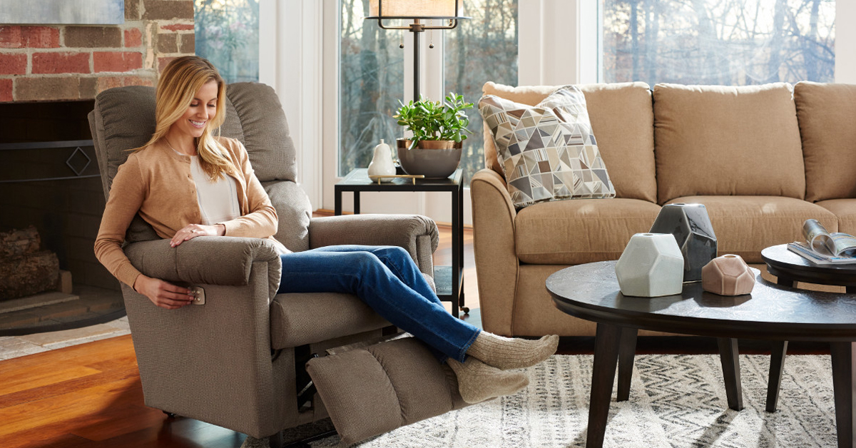 Recliners Direct Ltd are the UK's premier recliner superstore. View our wide range of Riser Recliners, Swivel Reclining Chairs, Electric Recliners, Manual Recliner Arm Chairs online or come and visit us today at our Leyland superstore.